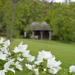 Burrow-Farm-Gardens-7-SummerHouse-Medium-1024x681
